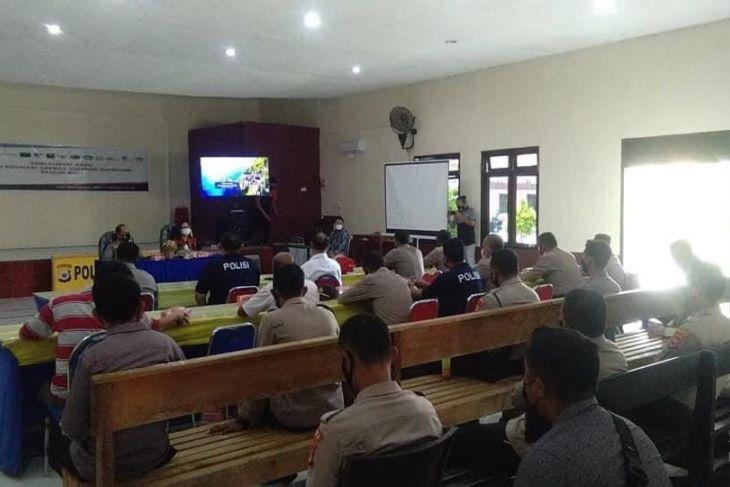 OJK - Ditreskrimsus Polda Maluku sosialisasi waspada investasi ilegal