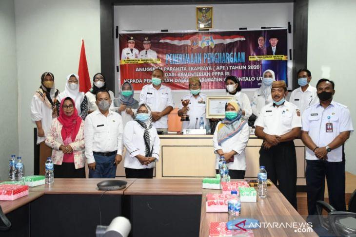 Pemkab Gorontalo Utara raih