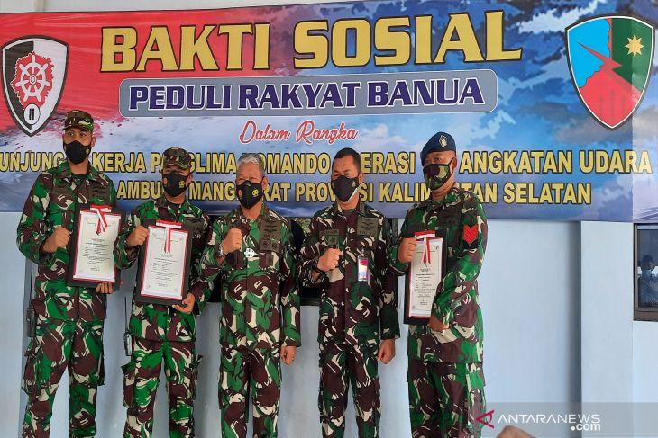 Pangkoopsau II ganjar penghargaan tim aset Lanud Sjamsudin Noor Banjarmasin