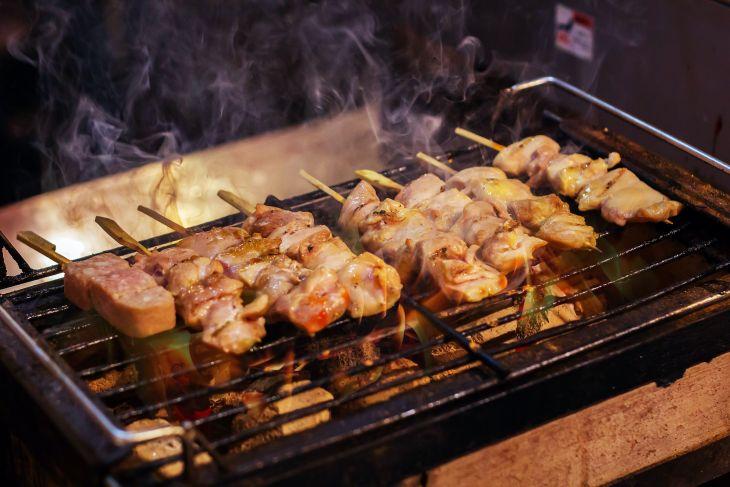 Taukah anda ini perbedaan Yakitori dengan sate ayam