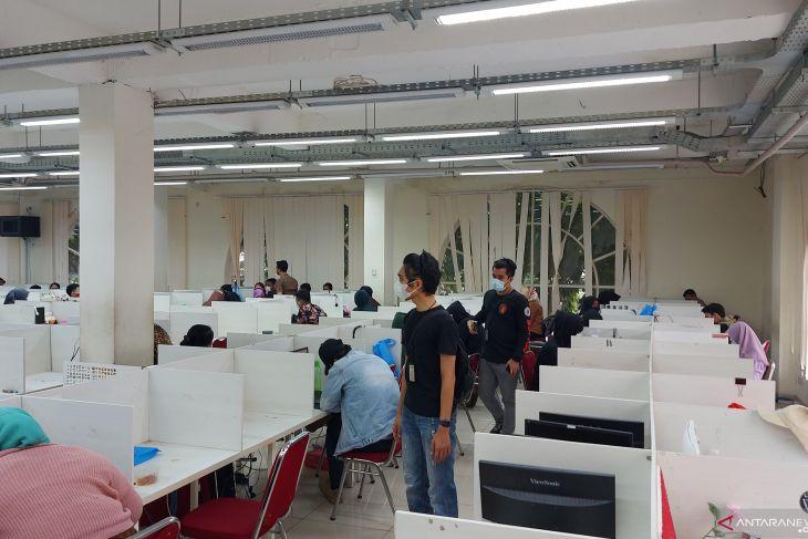 Polda Metro gerebek kantor pinjaman online  ilegal di Tangerang