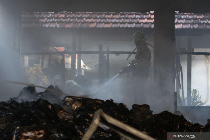 Kebakaran di Kompleks Kantor Kementerian PUPR Surabaya