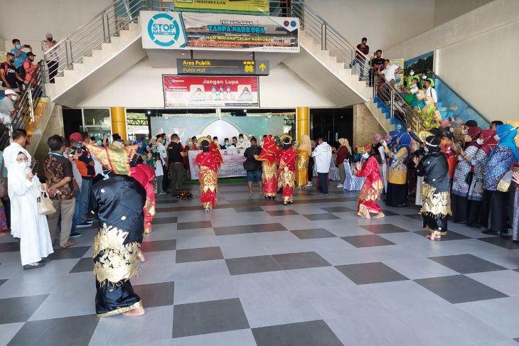 Sebagian besar kontingen STQN tiba di Maluku Utara tinggal Bali saja