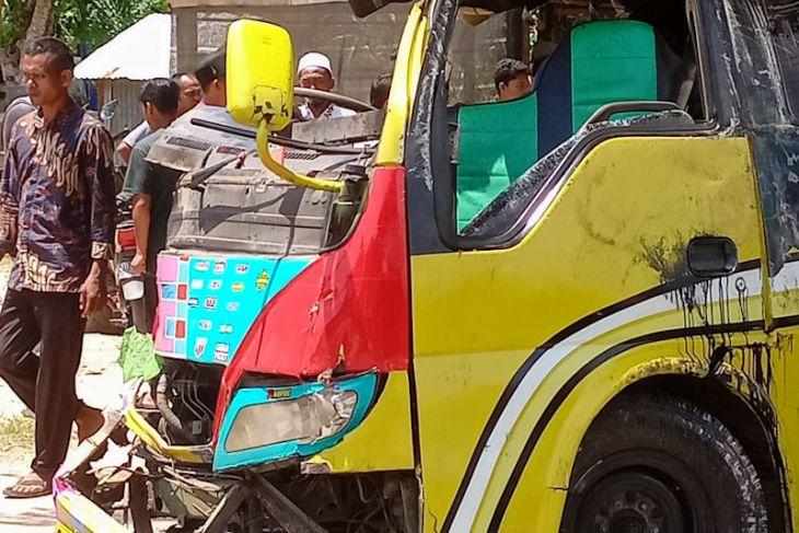 Seorang tewas, delapan kritis dalam kecelakaan di Aceh Timur