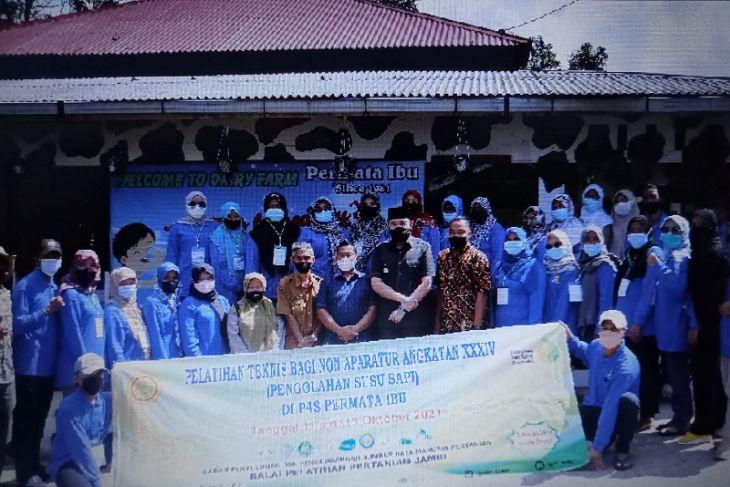 Wali Kota Padang Panjang berharap inovasi dalam pelatihan pengolahan susu