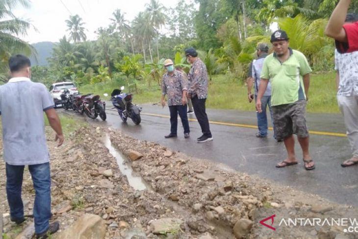 Tim BBPJN investigasi proyek jalan  nasional di Kepulauan Nias