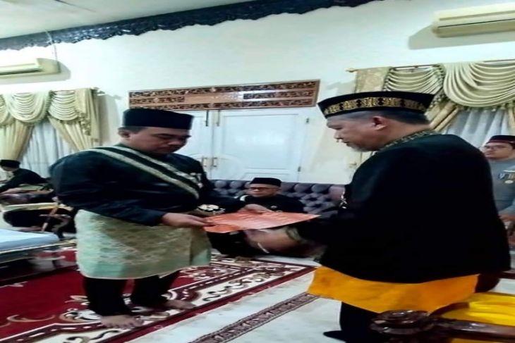 Wakil Ketua DPRD Tebing Tinggi dapat gelar Dato Beuntara seutia
