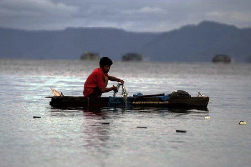 BMKG pasang pemantau gempa di kawasan Danau Toba