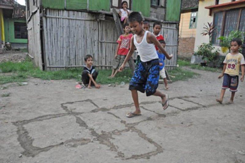 Permainan Tradisional Antara News Mataram Nusa Tenggara Barat