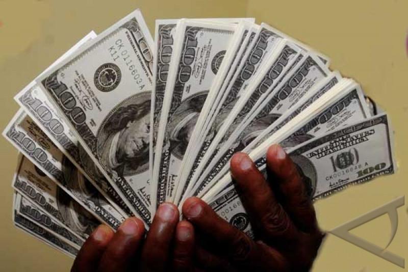 Dolar AS pada Jumat pagi menguat, euro melemah