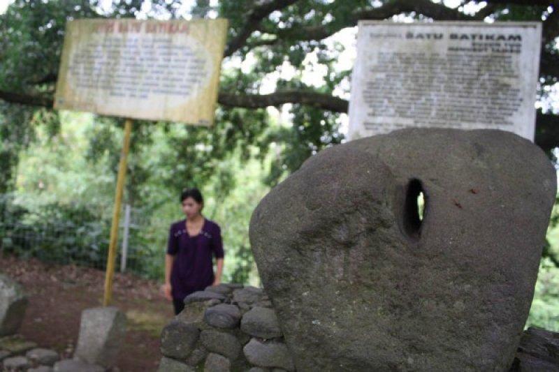 Batu Batikam Antara Sumbar