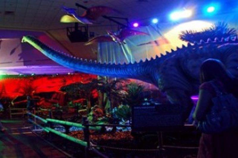 Pameran Robot Dinosaurus di Singapura