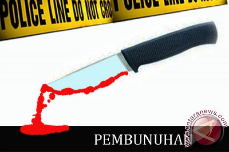 Seusai tikam istri, suami angkut korban bersimbah darah gunakan mobil ke kantor polisi