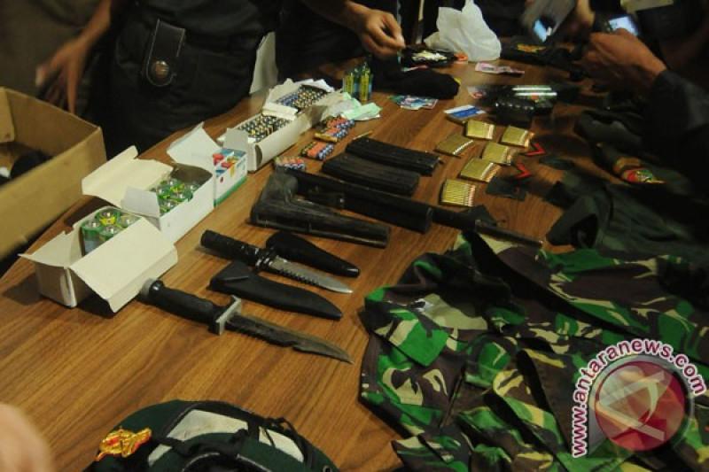 Tentara Gadungan Tipu Dua Calon Anggota Polri Rp240 Juta Antara News