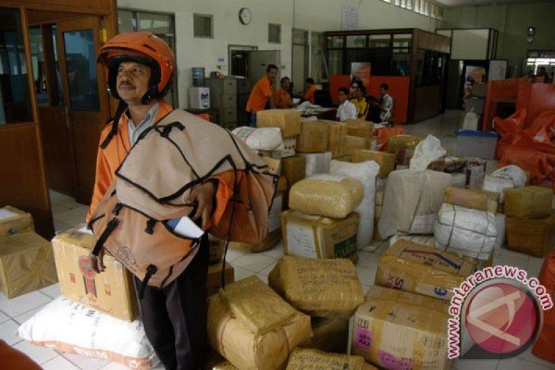 Kantor Pos Padang Sediakan Layanan Jemput Kiriman Antara News