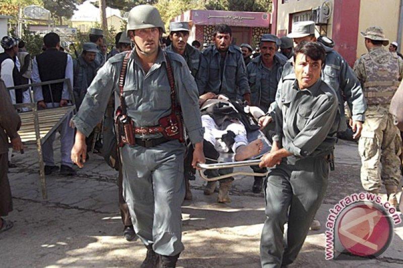 Sejumlah ledakan di masjid Afghanistan bunuh sedikitnya 62 orang