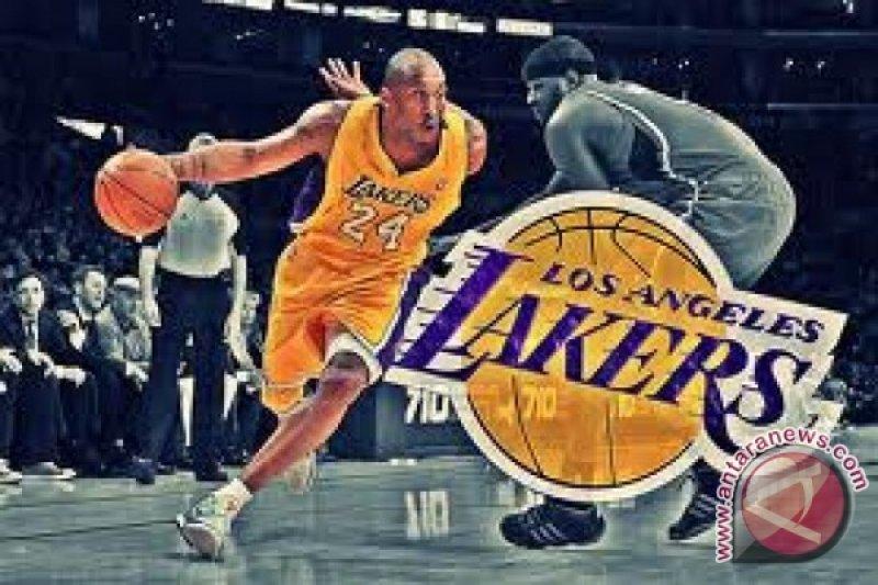 Bryant perpanjang kontrak dua tahun dengan Lakers