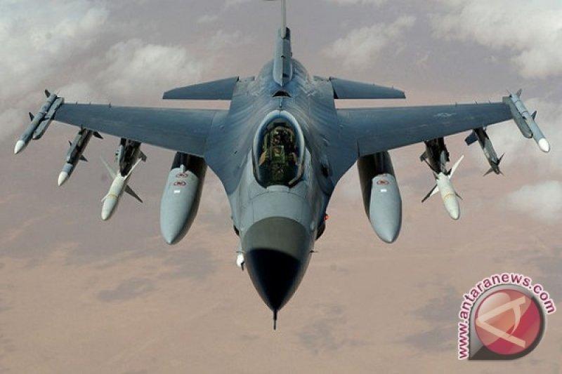 Dua jet tempur F-16 NATO mendarat darurat di Tallinn