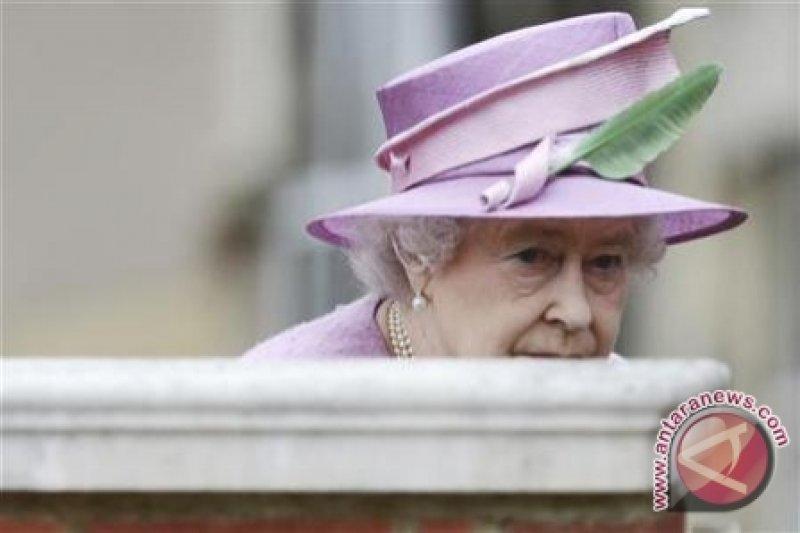 Ratu Elizabeth Jenguk Pangeran Philip