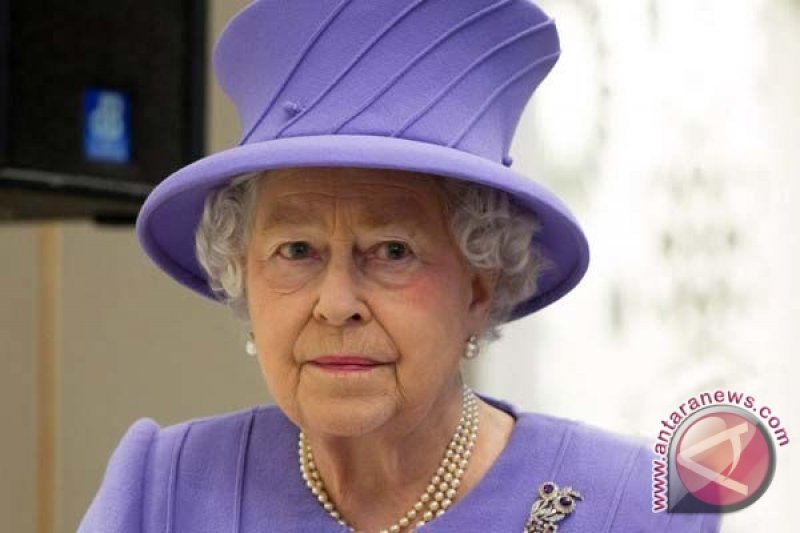Sehari setelah suami kecelakaan, Ratu Elizabeth menyetir tanpa sabuk pengaman
