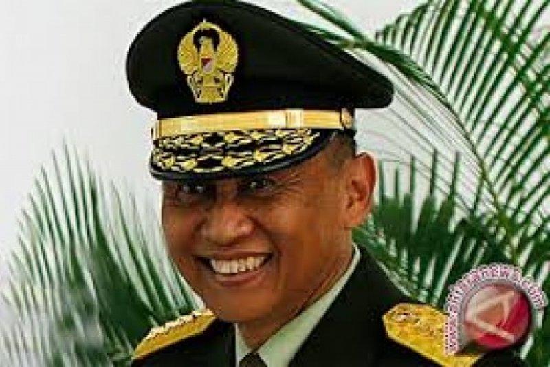 TNI-AD kibarkan bendera setengah tiang  untuk hormati Pramono Edhie