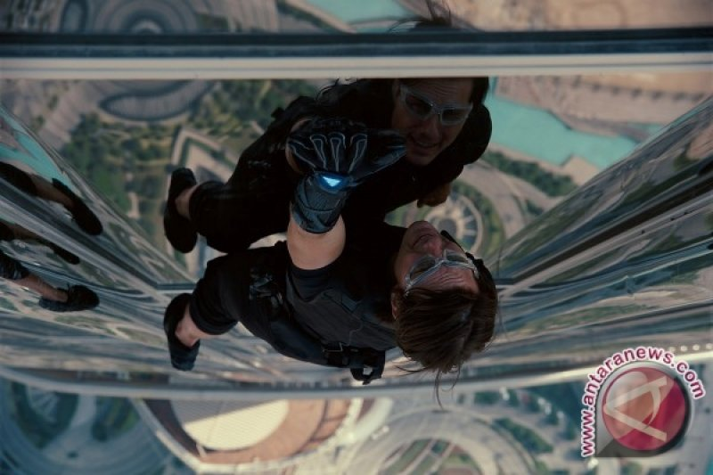 "Waduh! Pergelangan Kaki Tom Cruise Patah, Syuting ""Mission: Impossible"" Ditunda"