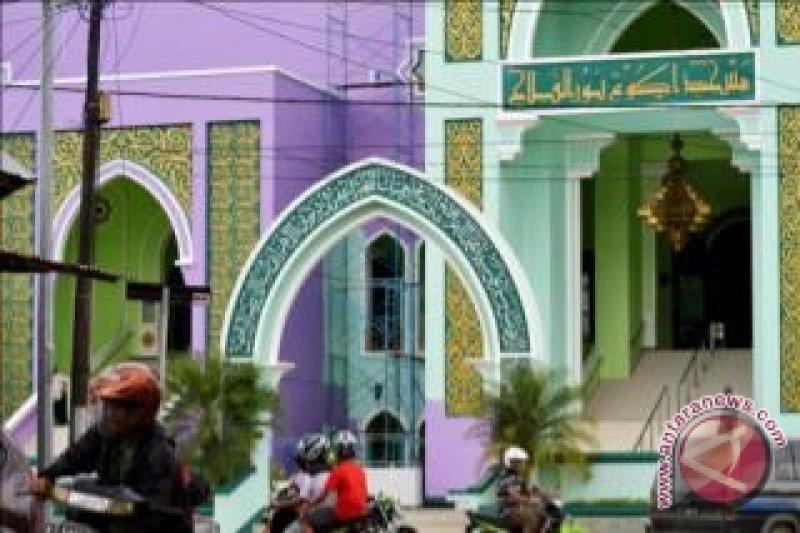 Warga Protes Unguisasi Masjid Agung Paser Antara News