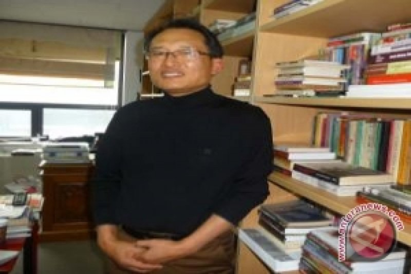 Pergulatan Profesor Koh Young Hun Dengan Sastra Indonesia