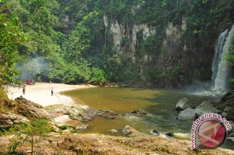 Objek wisata air terjun Pollung butuh sentuhan