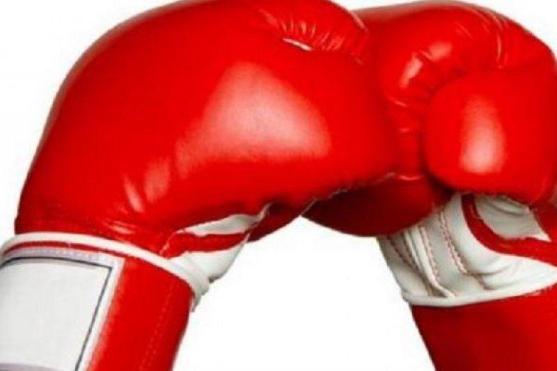 """Mayweather: Pertarungan Melawan Mcgregor """"Sangat Dekat"""""""