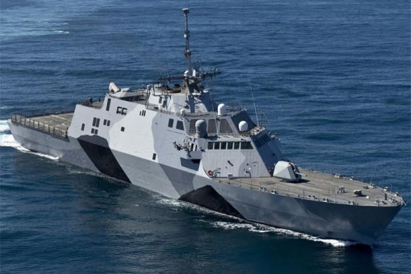 Kapal perang AS berlayar di wilayah sengketa Laut China Selatan