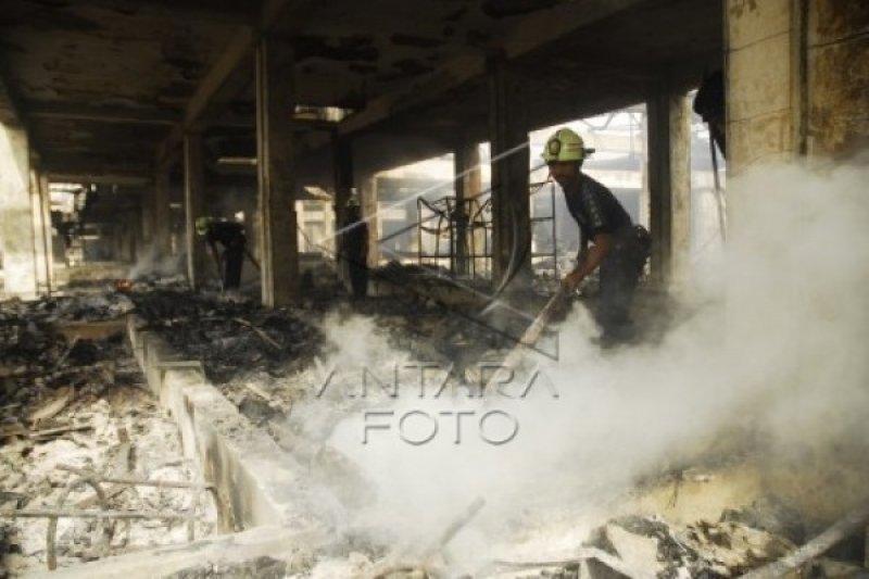 Tim Puslabfor Olah TKP Kebakaran Pasar Klewer