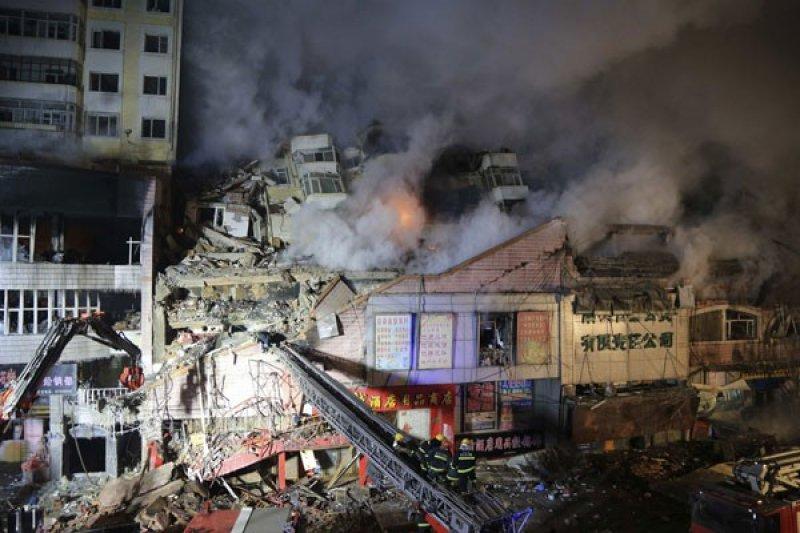 Sembilan orang tewas tertimpa reruntuhan gudang di China