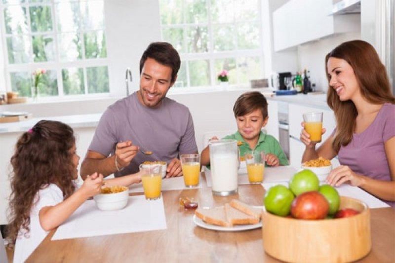 Tingkatkan konsentrasi anak dengan sarapan pagi