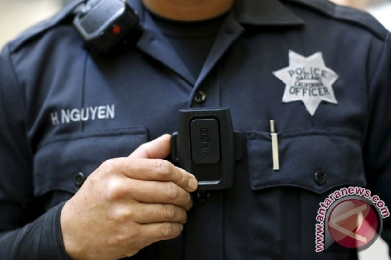 Polisi AS pakai kamera tubuh saat penggeledahan dan penangkapan