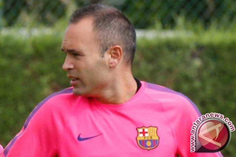 Iniesta: Trio Lini Depan Barca 'Tidak Dapat Dibandingkan'