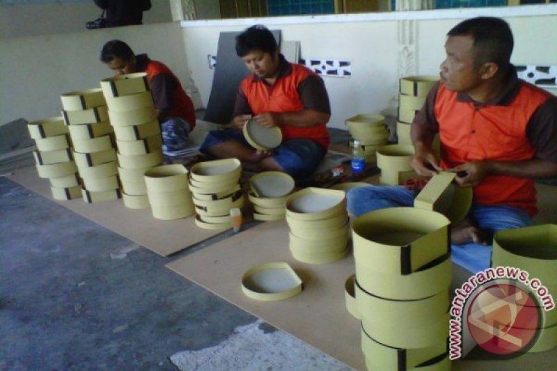 Perajin serat tumbuhan tidak diuntungkan melemahnya rupiah
