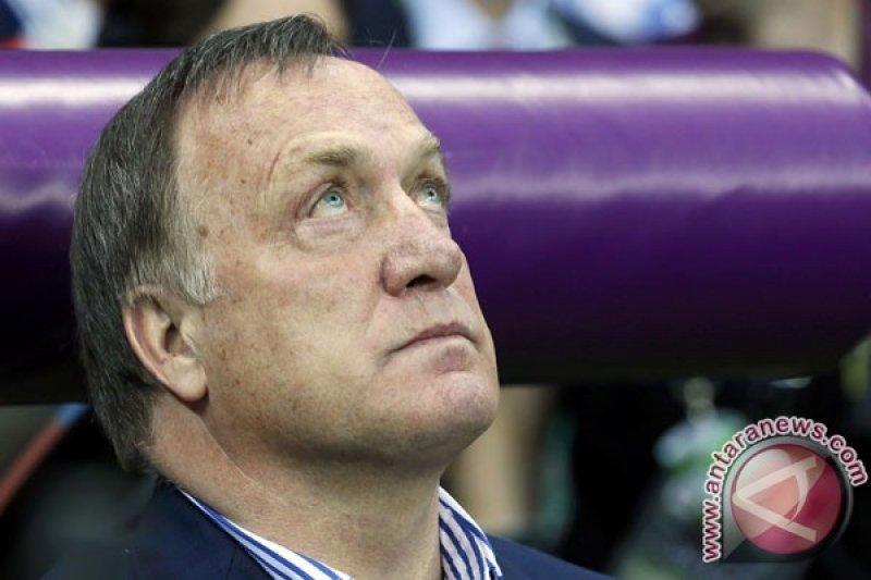 Pelatih Feyenoord Dick Advokaat umumkan pensiun pada akhir musim ini