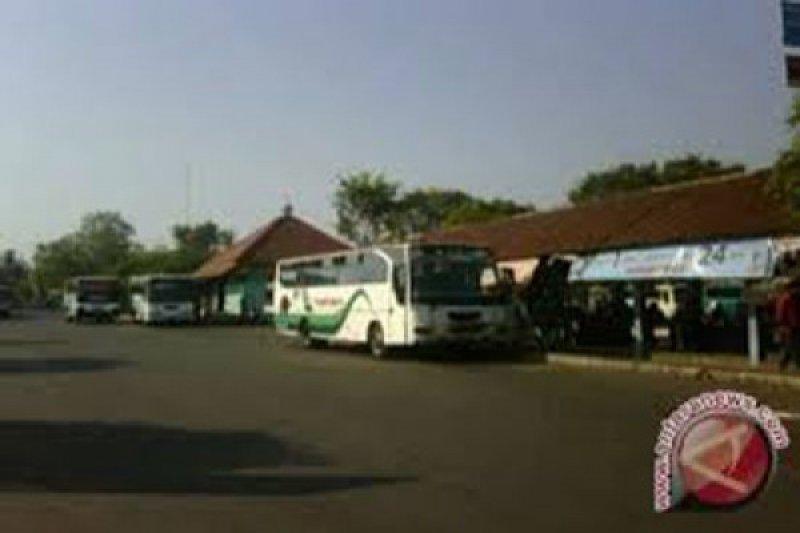Ratusan penumpang terlantar di Terminal Dagsinarga Wonosari