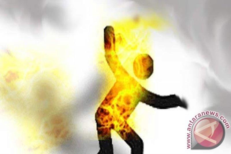 Seorang PNS tewas setelah bakar diri