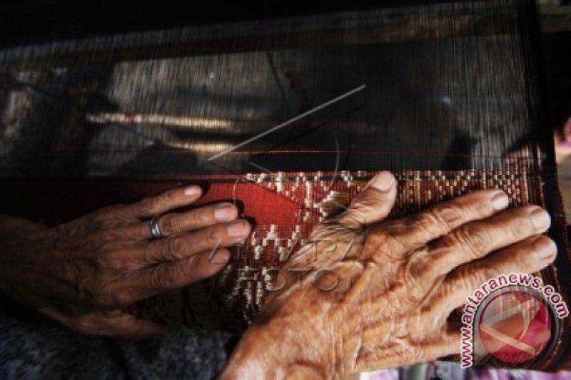 Kapasitas Produksi Perajin Songket Sawahlunto 70.224 Lembar