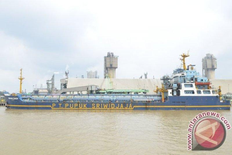 Terbakarnya kapal Pusri tak hambat angkutan urea