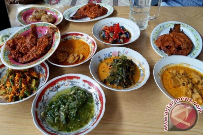 Lezatnya Kuliner Minang Di Sepanjang Jalur Padang Bukittinggi Antara Sumbar