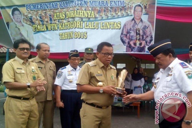 Bupati Muaraenim serahkan LKPJ tahun 2015 ke DPRD