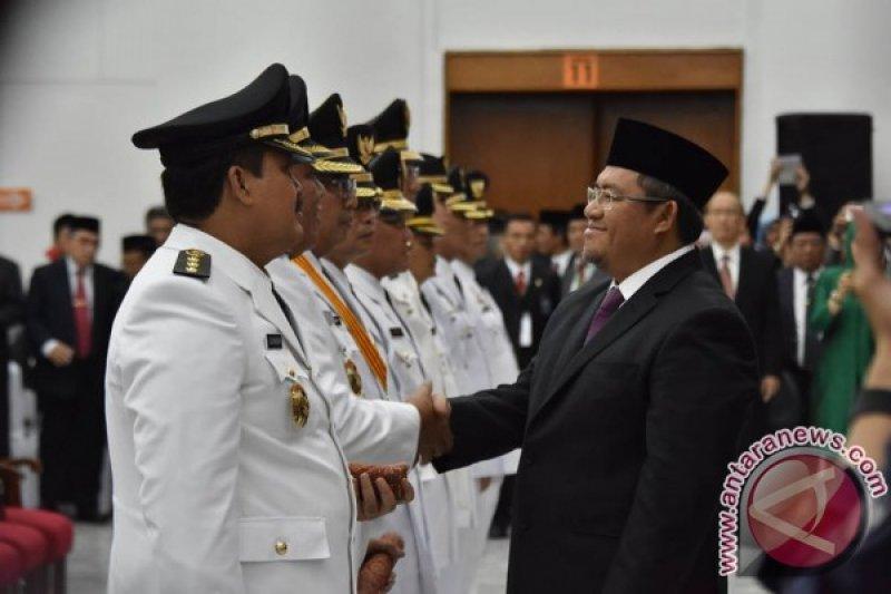 Gubernur Jabar Lantik Enam Pasang Kepala Daerah