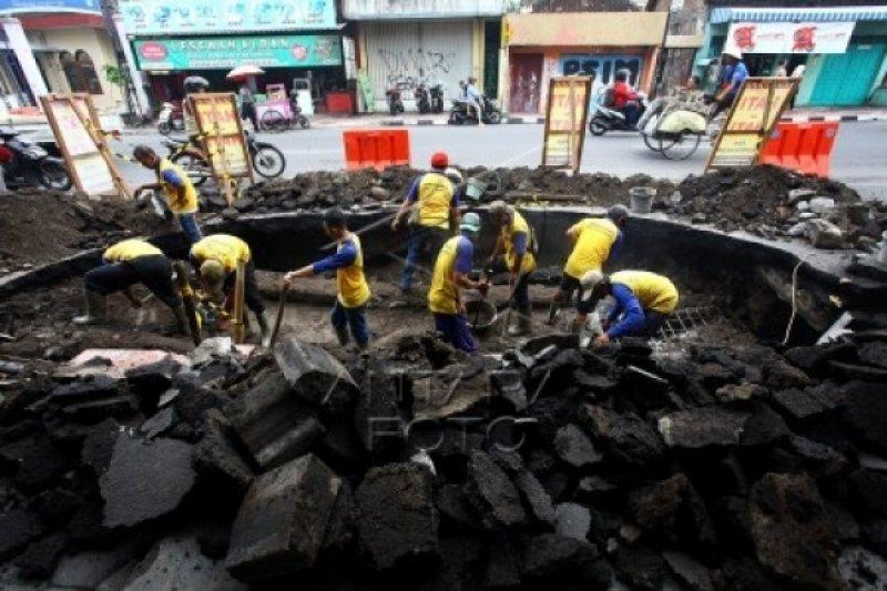 DPUPKP Yogyakarta siapkan aspal dingin perbaiki jalan secara cepat