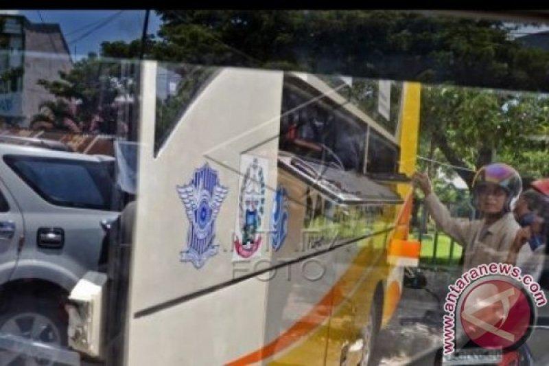 Samsat Makassar buru penunggak pajak di mall
