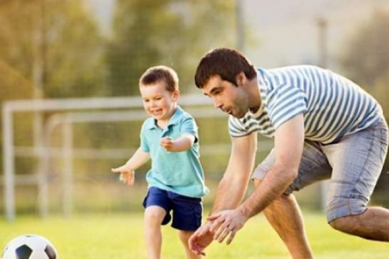 Ayah berperan besar dalam pengasuhan anak