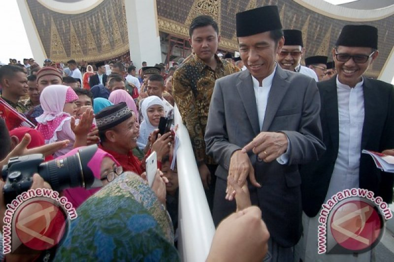 Gubernur Sumbar: Jokowi Presiden Pertama Shalat Id Di Padang