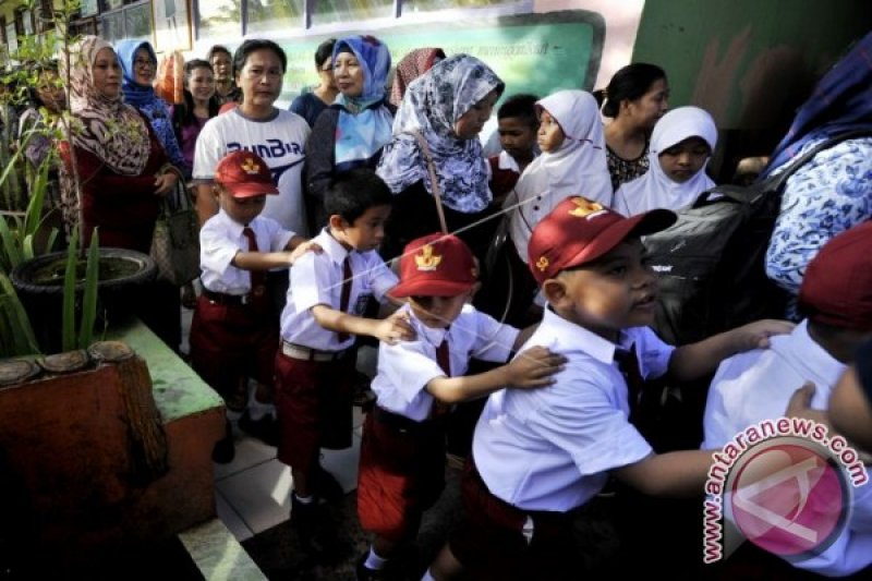 Pelaksanaan program Sekolah Adiwiyata terganjal anggaran